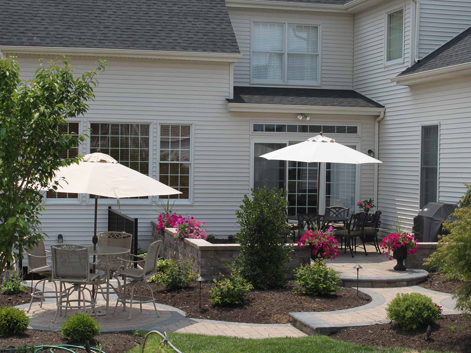 Small Patio - R&R Caddick Landscape Design