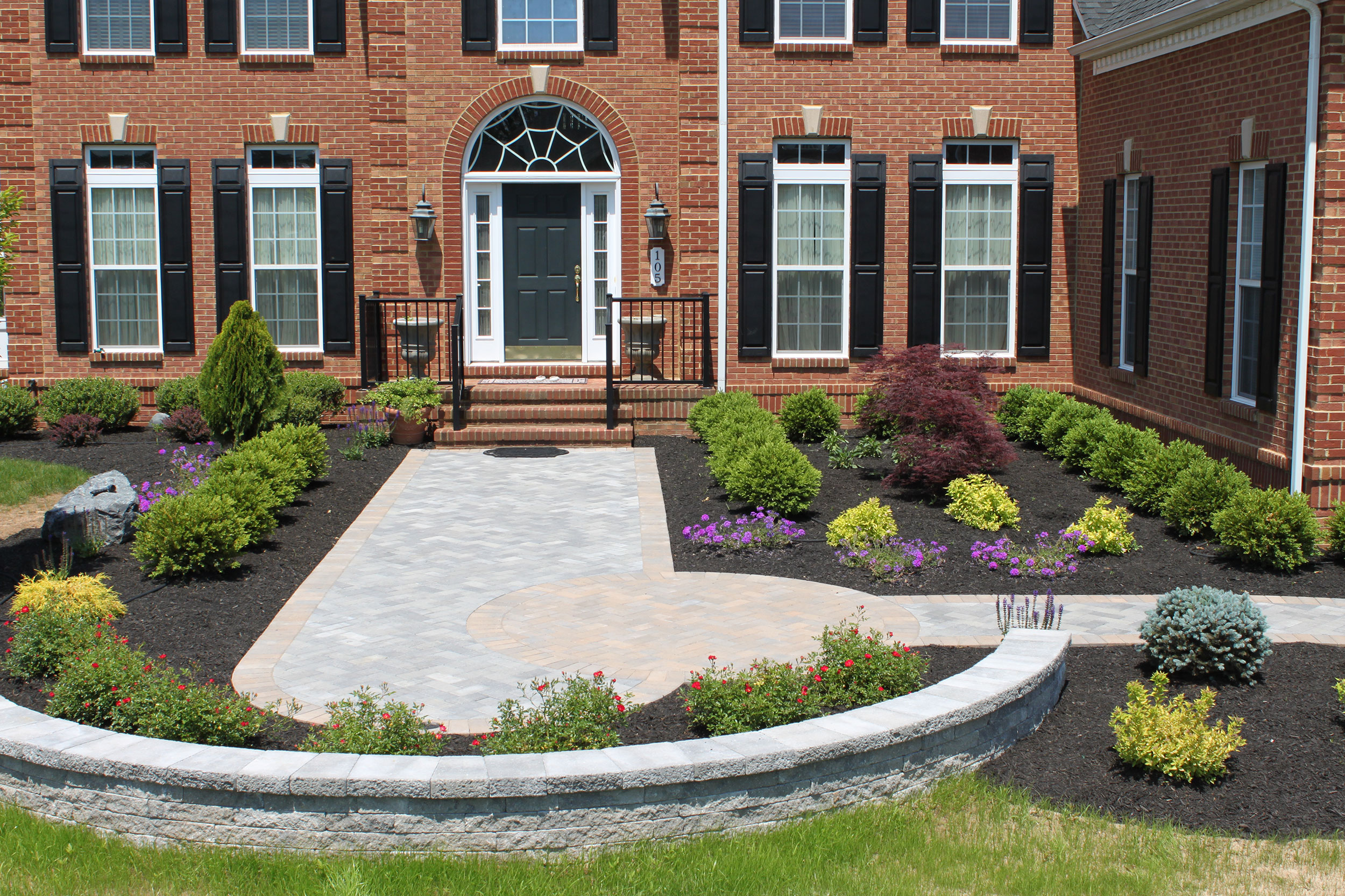 Paver-entry-decorative-wall